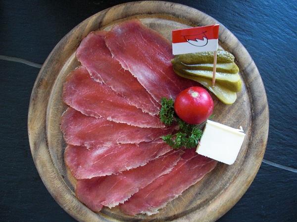geräuchertes oder luftgetrocknetes Rindfleisch