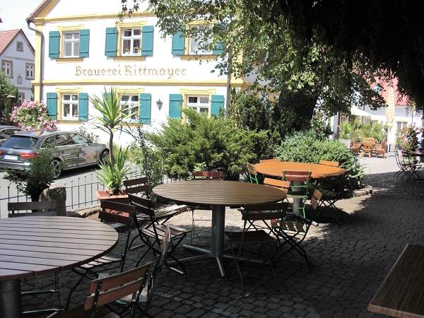 Biergarten der Brauereigaststätte Rittmayer in Willersdorf im Aischgrund