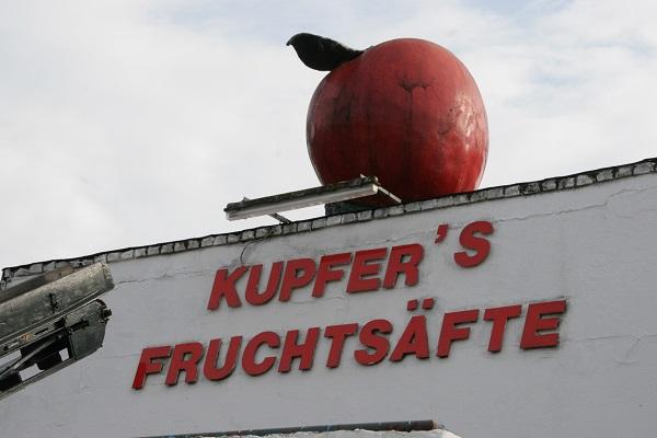 Kupfers Natursäfte Firmenschild