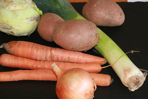 Zutaten für eine fränkische Gemüsesuppe