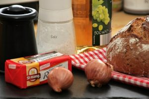 Zutaten für Limburger im Zwiebel-Essig-Sud