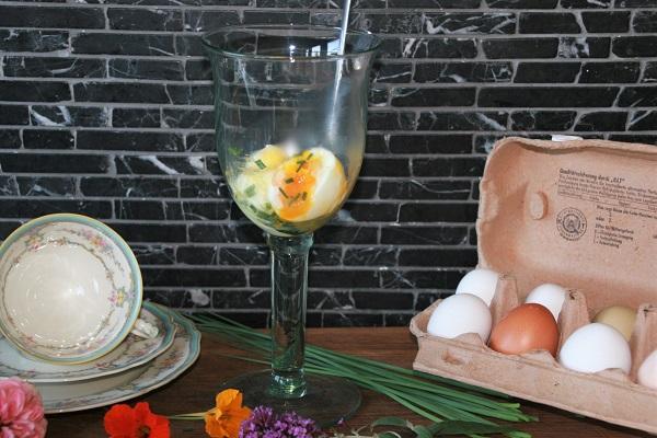 Foto weichgekochtes Ei im Glas zerdrückt