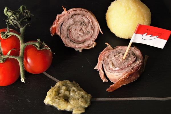 Foto Schweineroulade mit Bratwurstbrät, Klößen und Wirsing